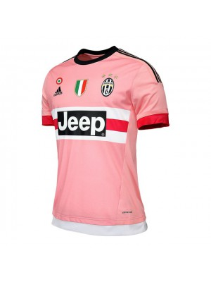 juve-away-jersey-scudetto-badge