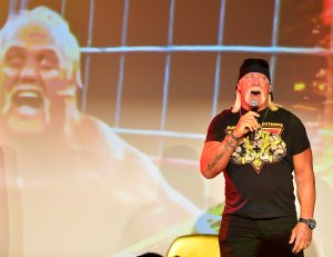 Legends of the Ring with Hulk Hogan and Ric Flair