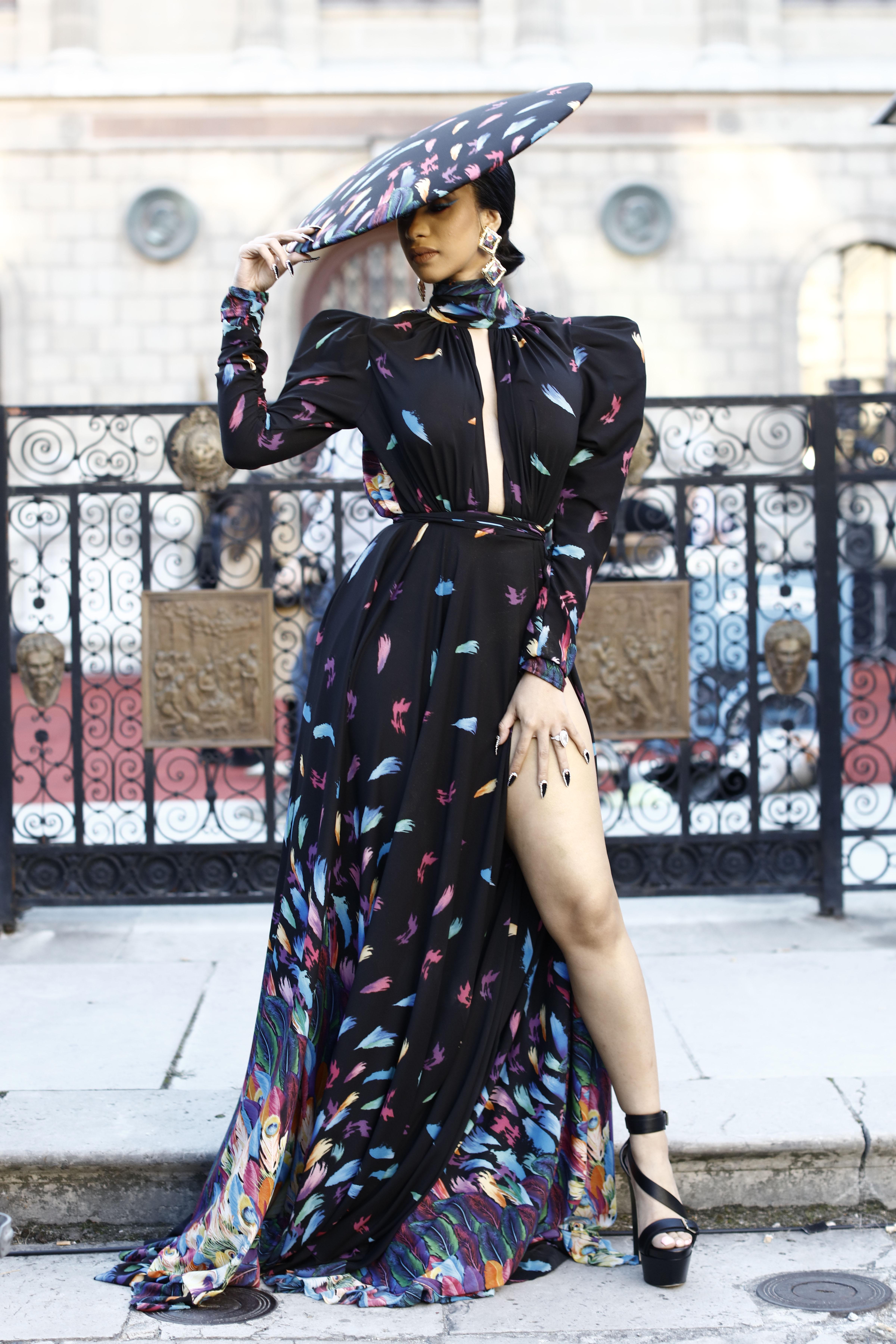 Celebs Paris Fashion Week - Cardi B, Bella Hadid, Cindy Crawford