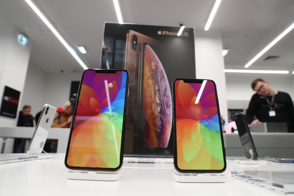 Apple's iPhone XS & iPhone XS Max Have A Serious Charging Issue