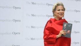 New York Metropolitan Opera opens with celebs and 'Otello