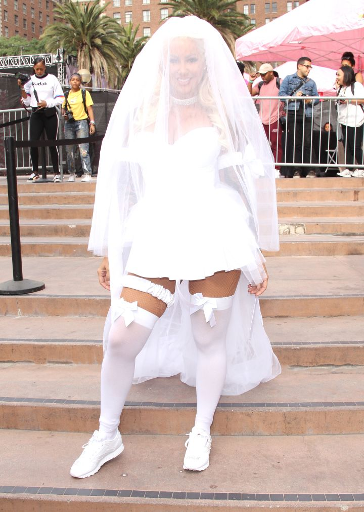 Amber rocked a veil and all.