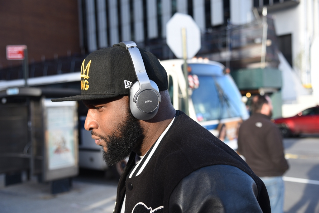 Review: Samsung x AKG's N700NC Wireless Headphones