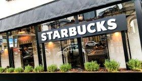 The First Original Starbucks Coffee Open In Milan