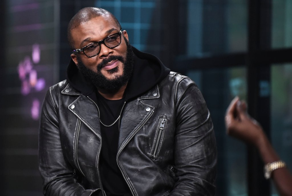 Tyler Perry offs X-Mas Shopper's Layaway Fees