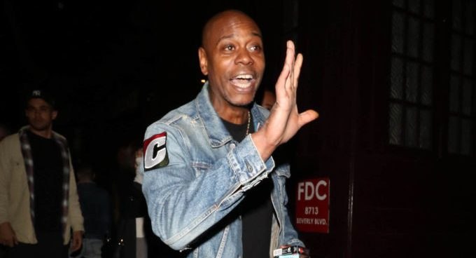 Dave Chappelle Recalls Story of Hilariously Clapping Back At R. Kelly
