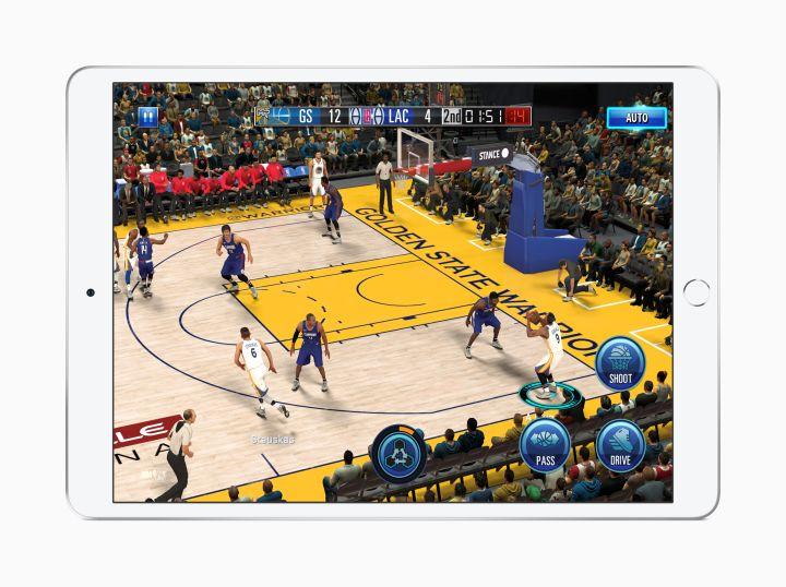 'NBA 2K19' running on iPad Air