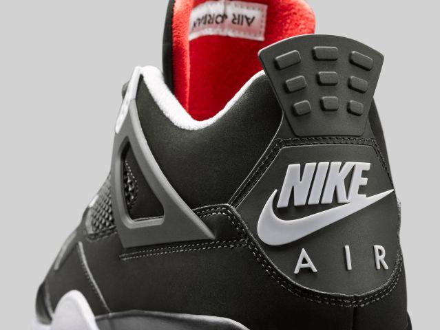 Air Jordan IV Bred