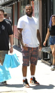 Rapper The Game goes shopping at Brooklyn Projects
