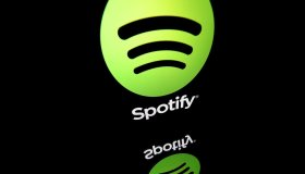 FILES-US-ENTERTAINMENT-MUSIC-ABUSE-RKELLY-SPOTIFY