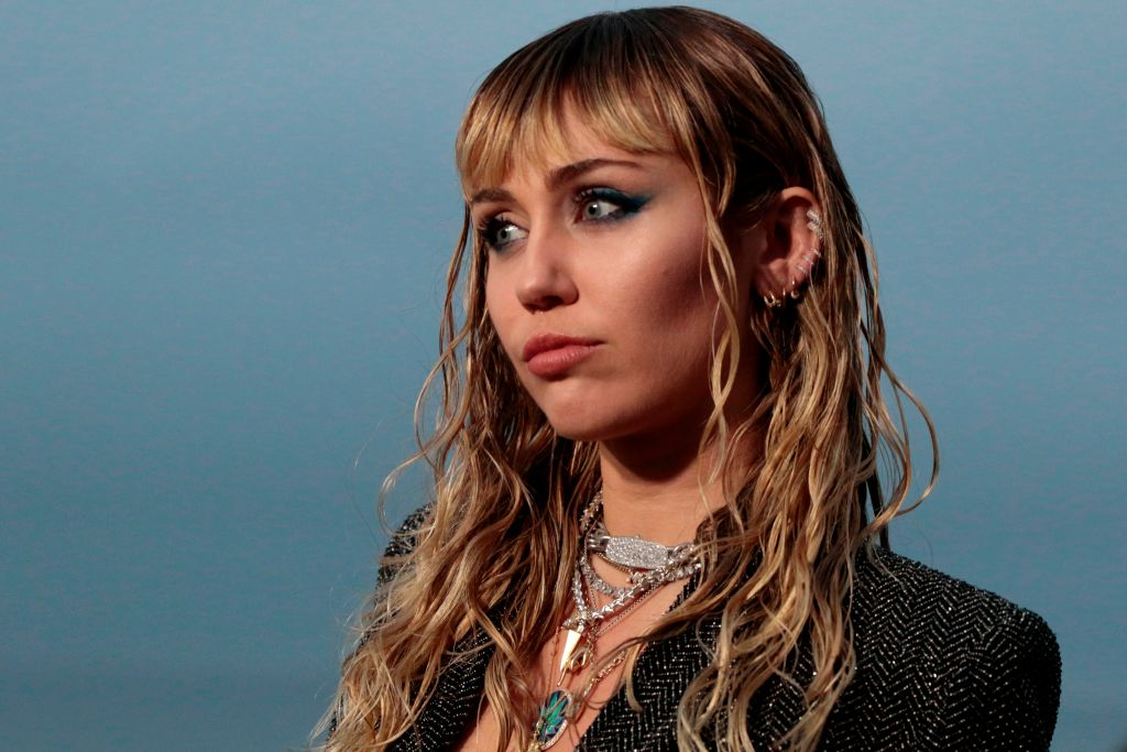 Twitter Mocks Miley Cyrus During Her Dad's BET Awards Performance