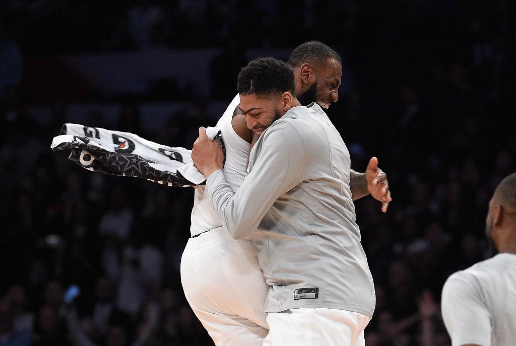 LeBron James Revives No.6 Jersey, #NBATwitter Reacts