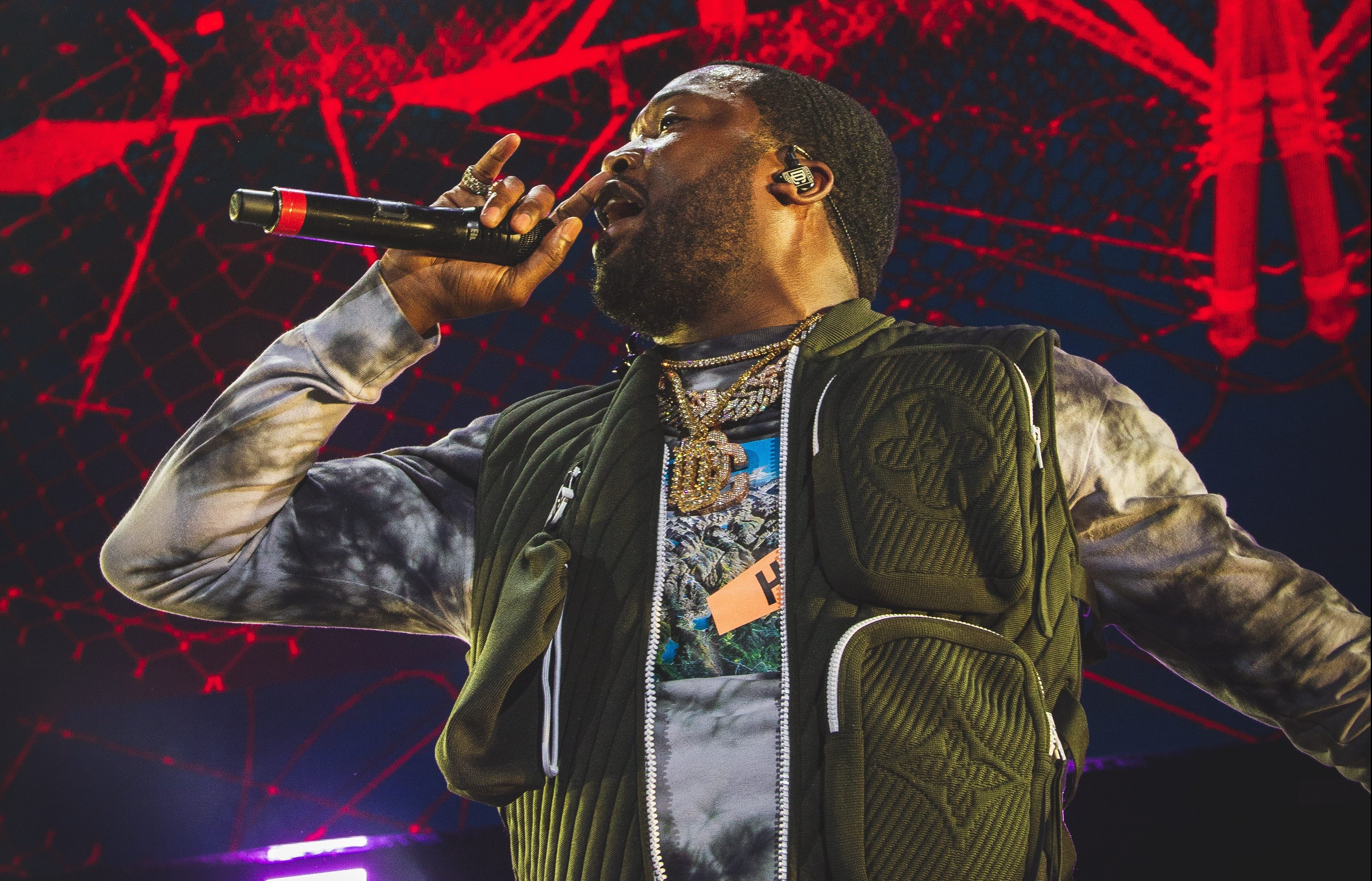 Meek Mill Kicks Freestyle While Drunk At Diddy's 50th Birthday Party