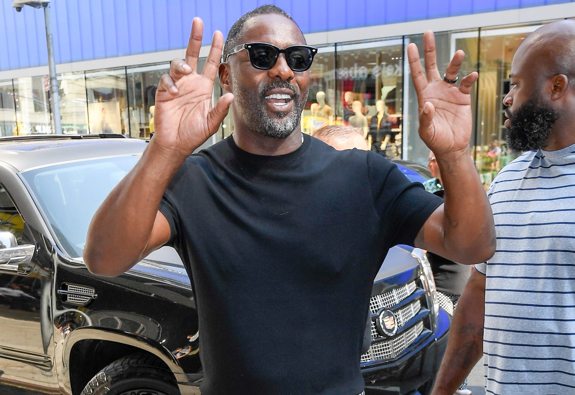 Idris Elba Suffering While Eating Spicy Chicken Sparks Memes