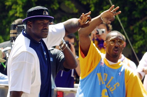 BKN-LAKERS-O'NEAL-BRYANT-PARADE