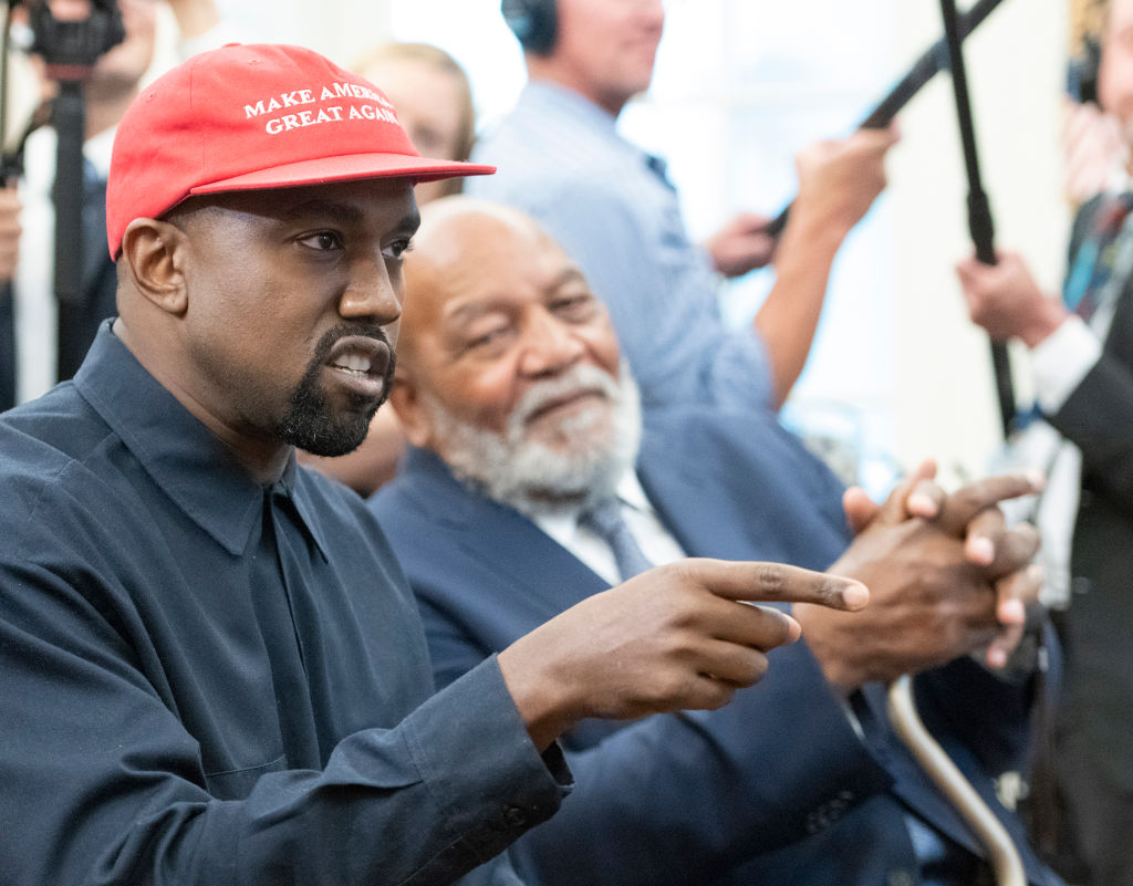 Kanye Westr Reportedly Will Take 'Sunday Service' Accross The Country
