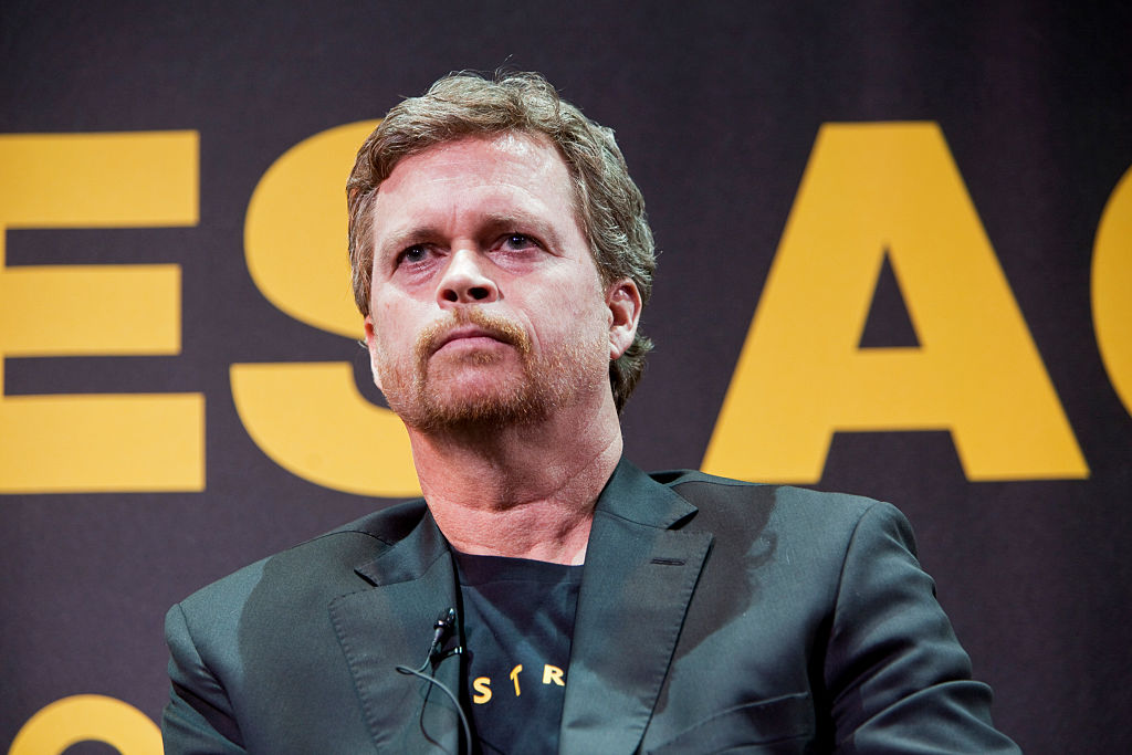 """USA - Lance Armstrong Foundation Launches """"Stages"""" Art Project"""