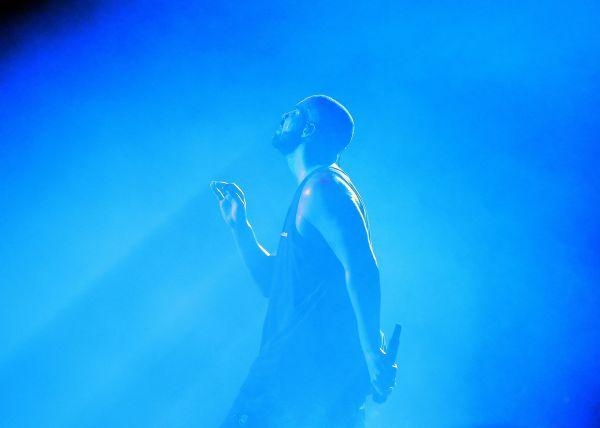 Drake performing at O2 Arena in London
