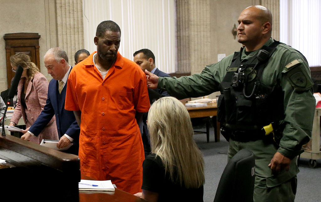 Judge won't increase bond for R. Kelly or give $100,000 back to woman who posted his bail