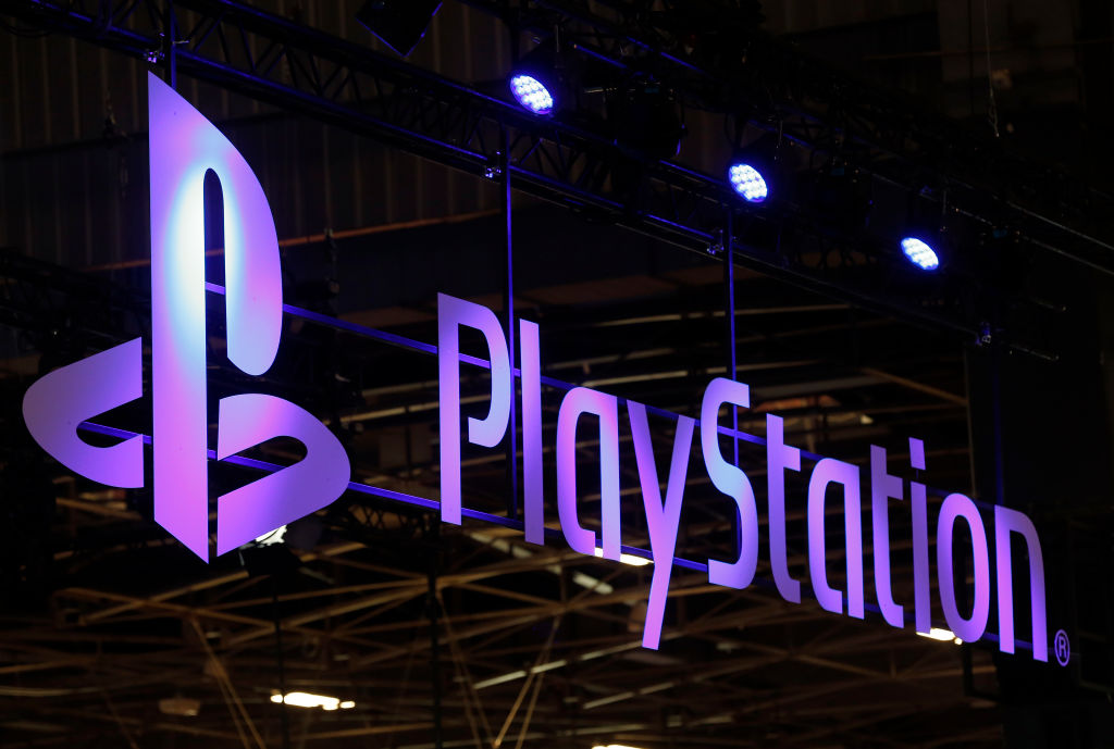 Twitter Is Clowning The New & Very Familiar PS5 Logo
