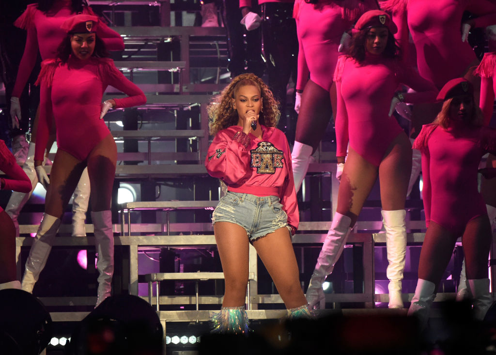 """The Beyhive Showed Out For Beyoncé """"HOMEcoming' Watch Party On Twitter"""