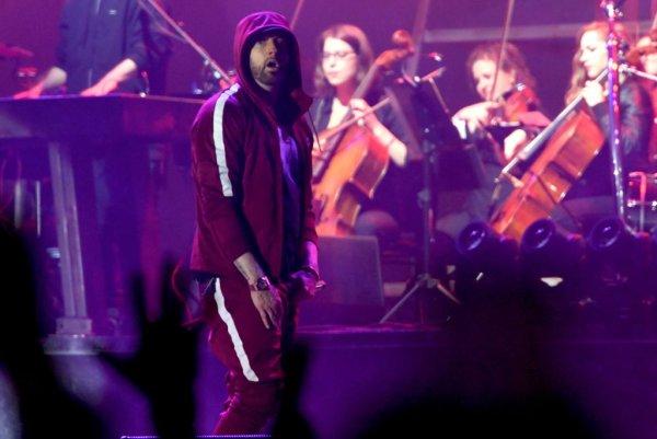 Eminem Performing In Concert