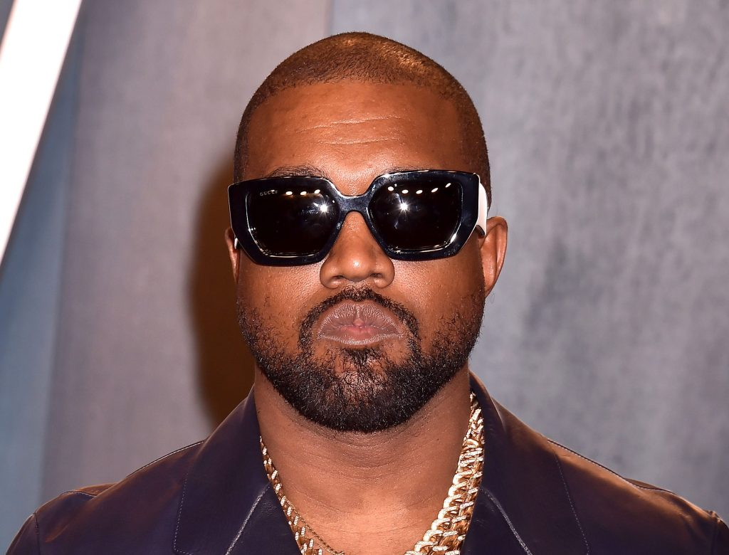 Kanye West at the 2020 Vanity Fair Oscar Party at Wallis Annenberg Center for the Performing Arts