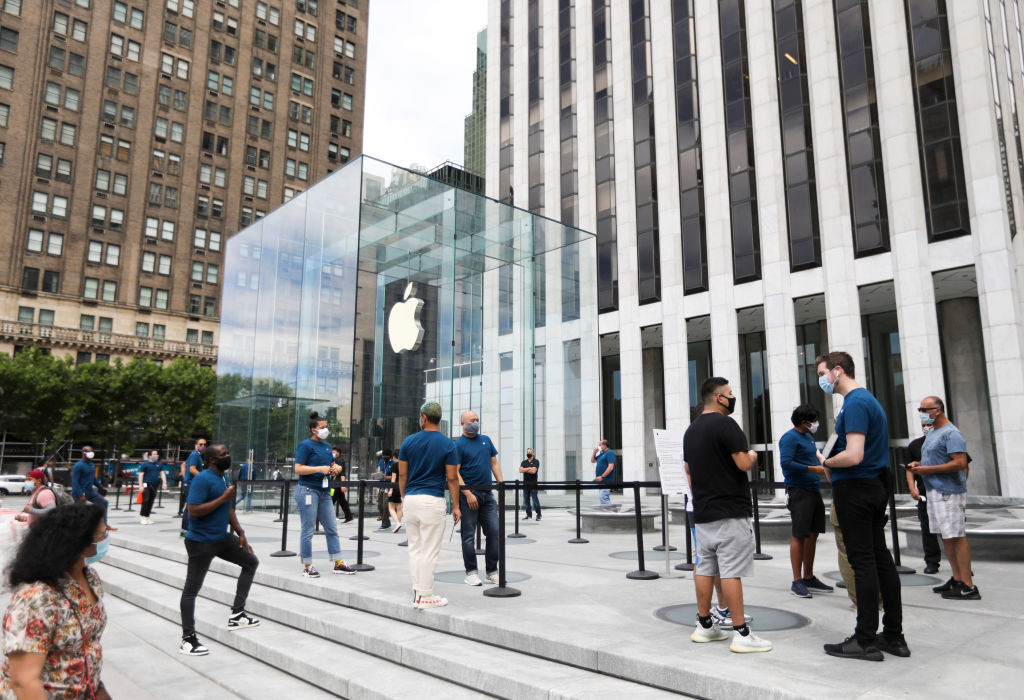 Apple Closes 11 Stores In States Now Considered COVID-19 Hot Spots