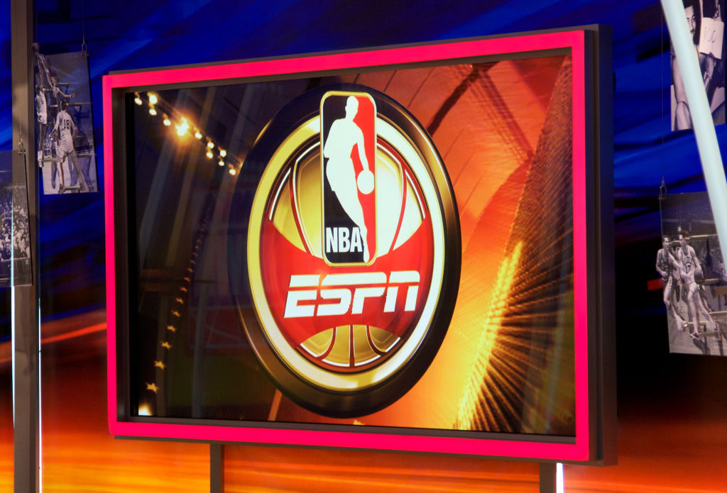 Twitter Supports Adrian Wojnarowski After He Curses Out Senator In Email