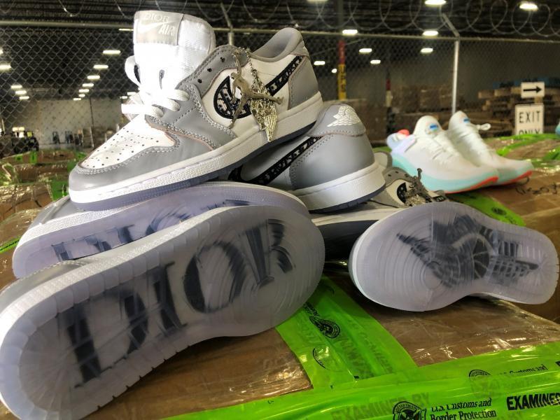 Bootleg Dior x Air Jordan 1