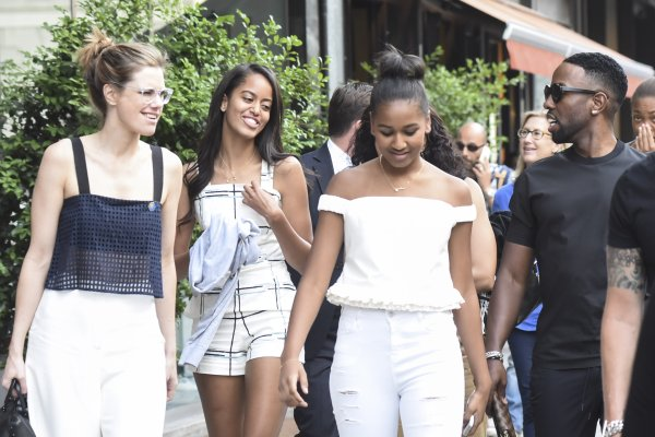 Malia and Sasha Obama out shopping in Milan