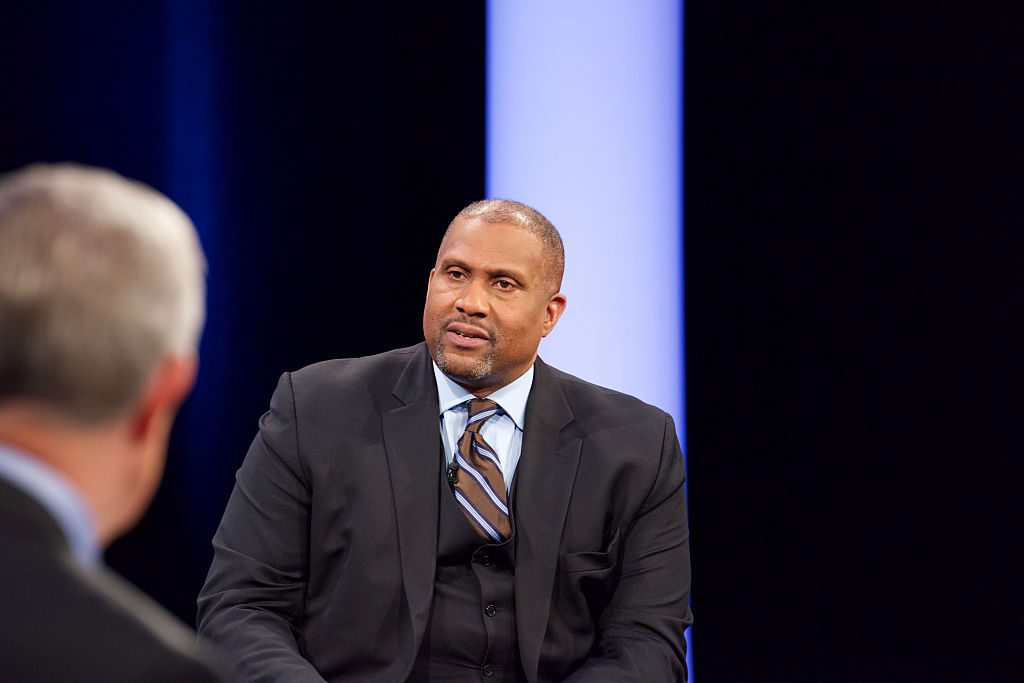 Tavis Smiley Ordered To Pay Back PBS $2.6 Million For Being A Creep