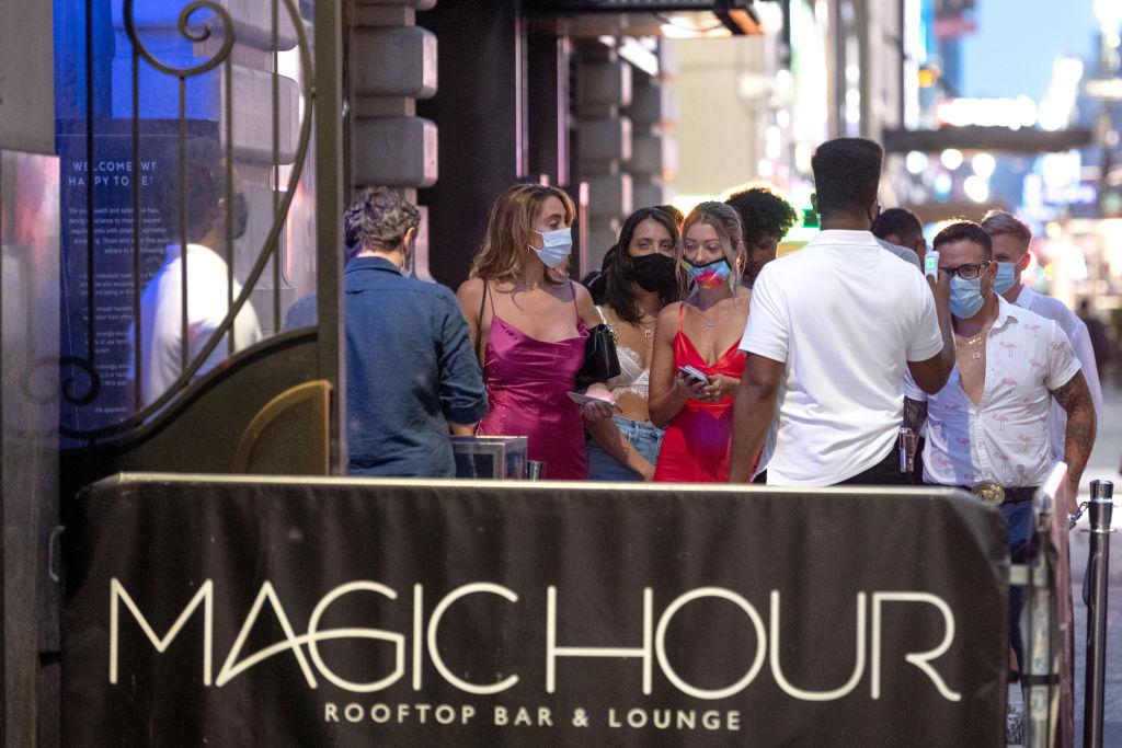 Gov. Andrew Cuomo Say Six NY, NYC Bars Liquor Licences Were Suspended