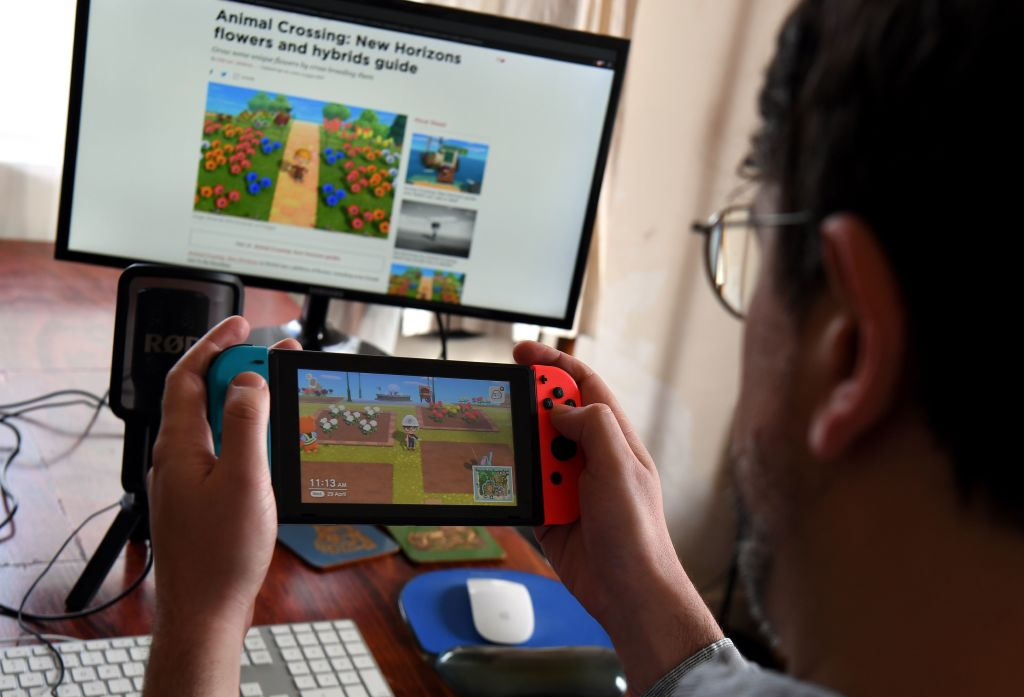 """Oxford University Study Reveals Social Gaming Is """"Good For Well-Being"""""""