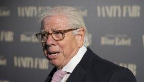 Carl Bernstein receives the Vanity Fair International Journalism Award