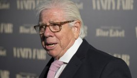 Carl Bernstein receives the Vanity Fair International Journalism Award