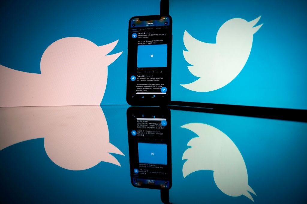 FRANCE-US-INTERNET-SOCIAL-NETWORK-TWITTER