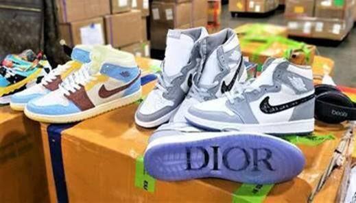 Fake Jordans & YEEZY's