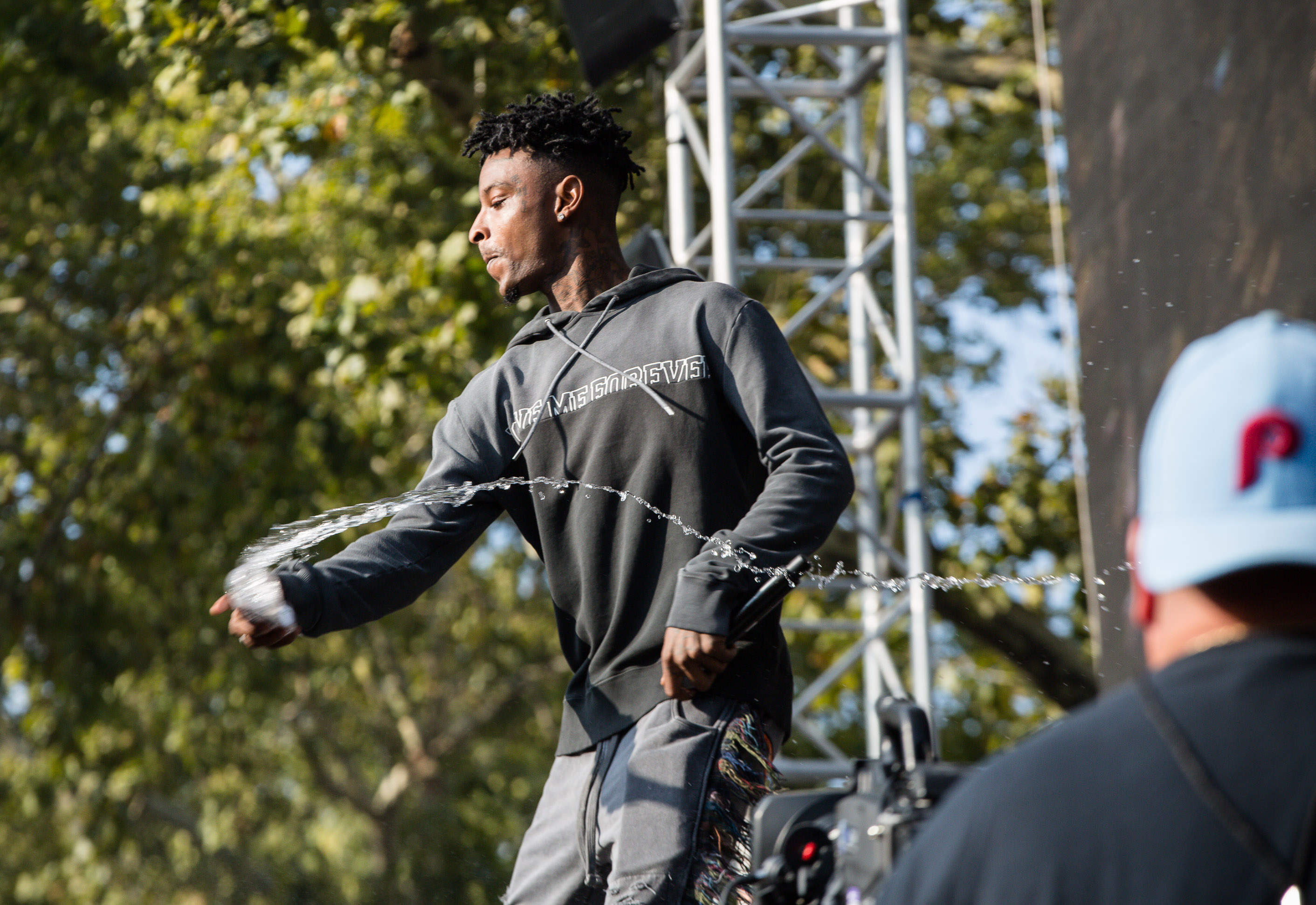 Twitter Is In Stitches After 21 Savage Clowns YK Osiris' Custom Gucci Suit