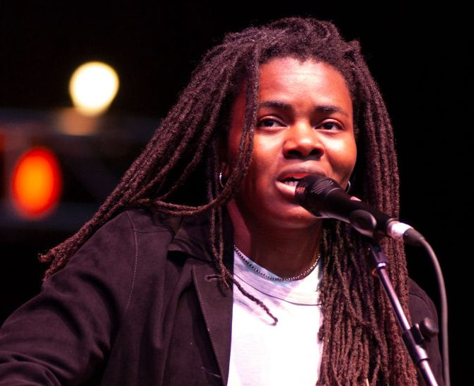 Tracy Chapman Wins 0K From Nicki Minaj To Settle Copyright Lawsuit