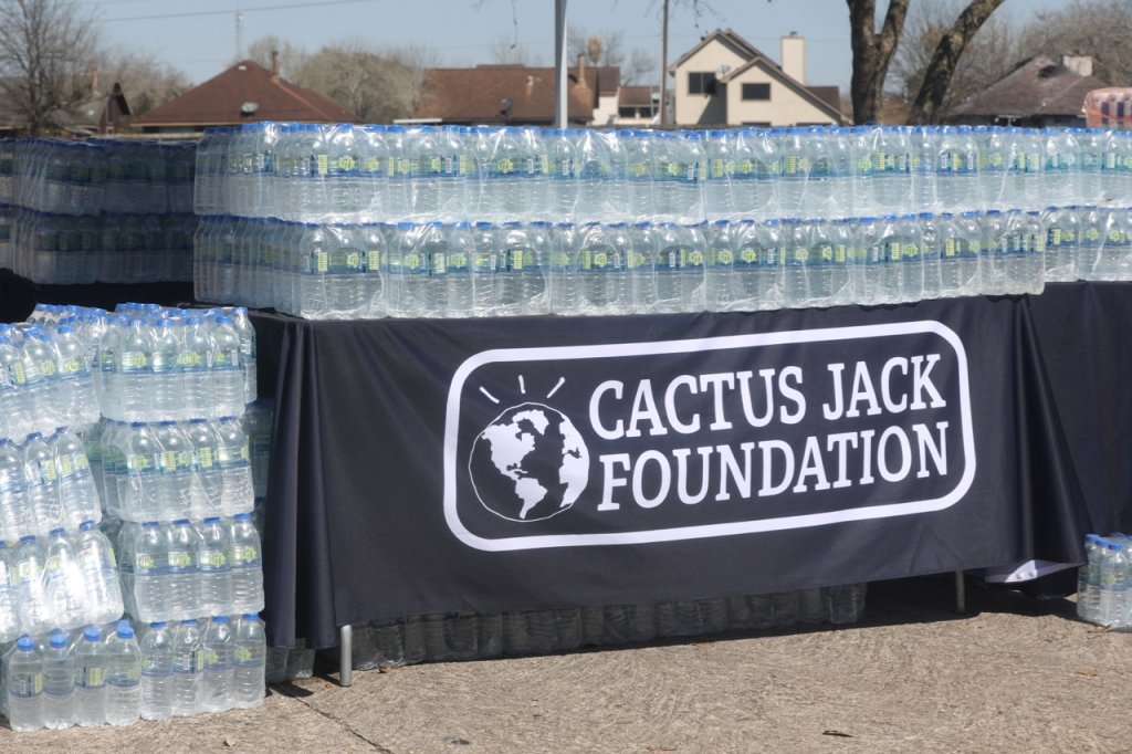Cactus Jack Foundation Holds Emergency Winter Relief Drive