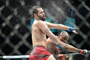 MMA: APR 24 UFC 261