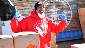 HollyGold And Yamashiro Hollywood Donate 2,000 Meals To The Community With The Help Of Nick Cannon And Ellen K.