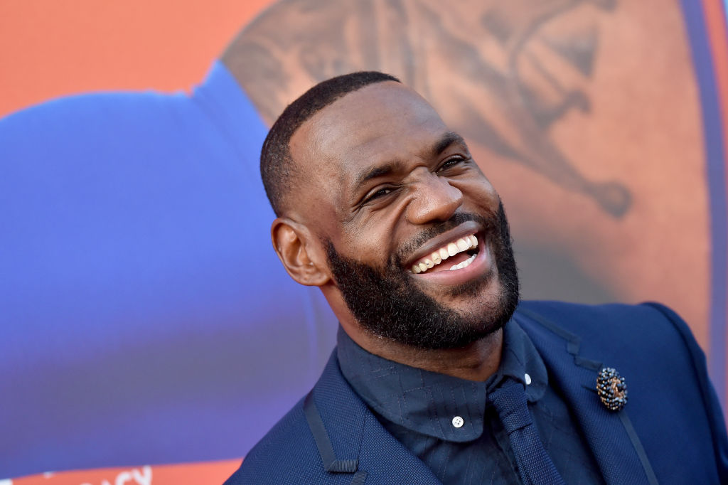 LeBron James Is The First Active Athlete To Earn $1 Billion