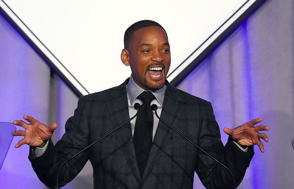 Will Smith Inspires As Venus & Serena Williams' Father In 'King Richard' Trailer