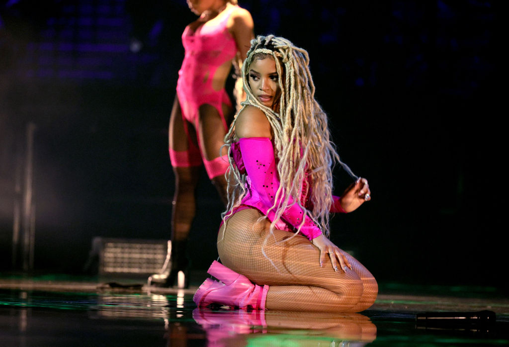 The Best Perfomances & Moments From The 2021 MTV Video Music Awards