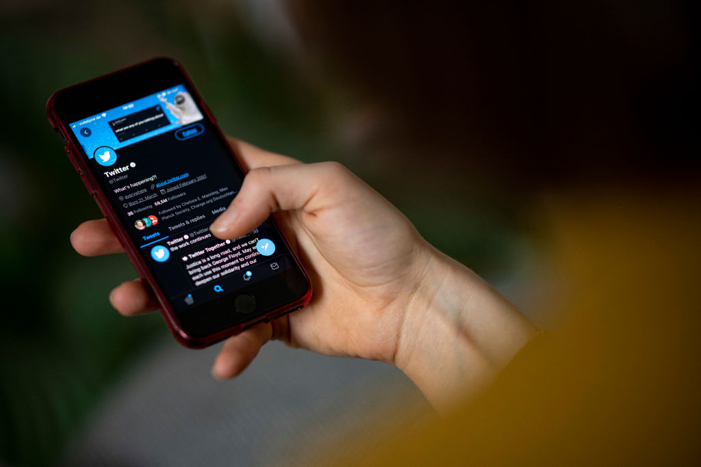 Twitter Once Again Relaunches Its Verification Process After Halting It